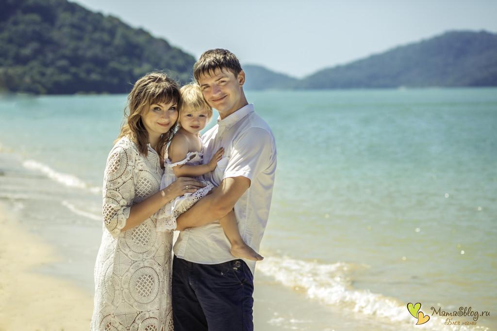 с ребенком на море