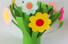 Поделки получи 0 Марта: пук цветов изо бумаги
