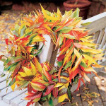 Украшаем дом осенними листьями